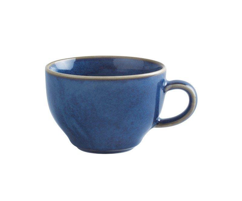 чашка синего цвета с ручкой и коричневым ободком