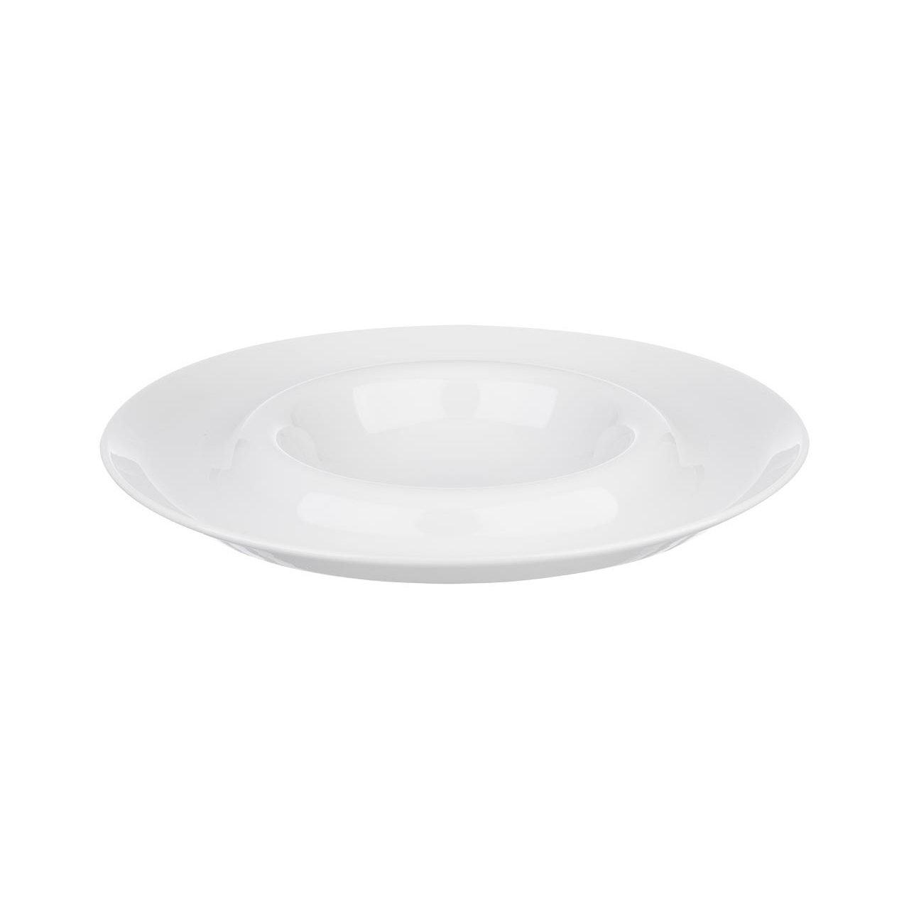 белая тарелка для пасты с широкими полями и красиво оформленным бортом тарелки