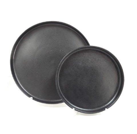 тарелка с прямым высоким бортом черного цвета
